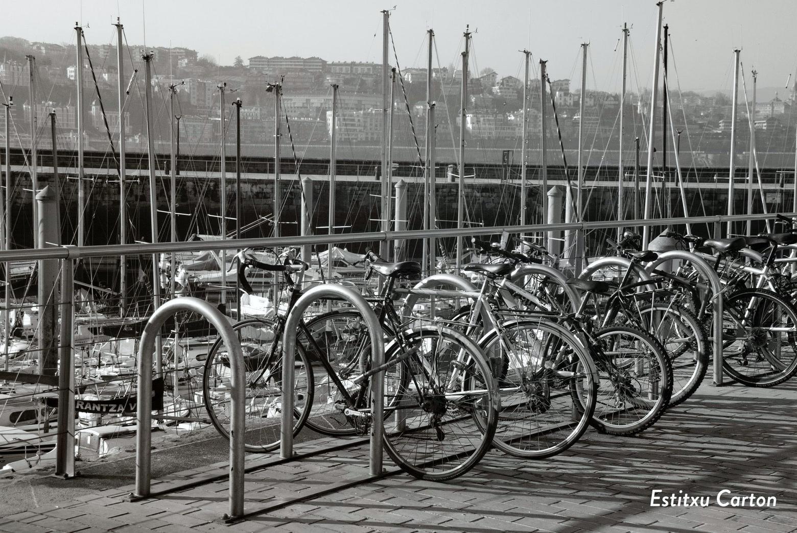 Estacionamento para bicicletas em Donostia (País Basco)